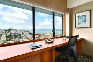 Deluxe King Room with Bay View