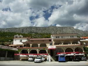 3 star pension Villa Ljetni San Omiš Croatia