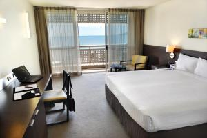 Holiday Inn Cairns Harbourside, Hotely  Cairns - big - 11
