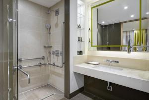 Deluxe Kamer met Kingsize Bed - Geschikt voor Gasten met een Lichamelijke Beperking