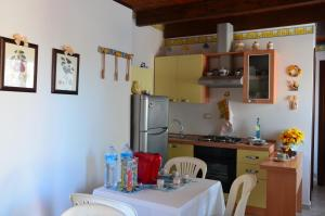 La Vecchia Montagna B&B, Bed and breakfasts  Gonnesa - big - 7