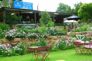 Lake Clarens Guest House, Guest houses  Clarens - big - 22