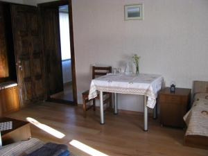 Guest House Shina, Pensionen  Omalo - big - 6