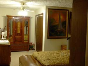 A Wildwood Rose Vacation Rental, Villas  Kelowna - big - 10