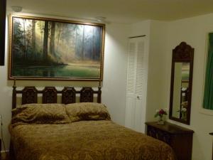 A Wildwood Rose Vacation Rental, Villas  Kelowna - big - 11