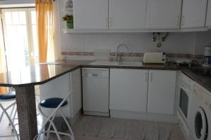 Bicos Beach Apartments AL by Albufeira Rental, Apartmanok  Albufeira - big - 20
