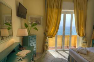 Hotel Albatros, Hotel  Varigotti - big - 19