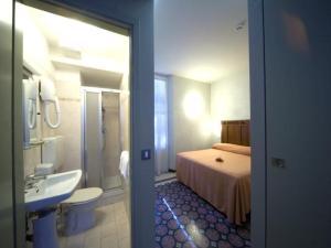 Hotel Europa, Hotely  Levanto - big - 13