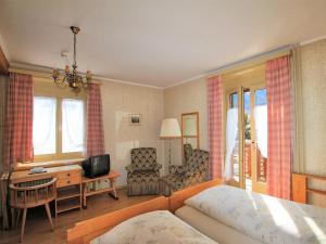Hotel Schweizerhof Sta Maria, Отели  Санта-Мария-Валь-Мюстаир - big - 12
