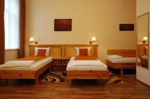 Hotel Manzard Panzio, Bed & Breakfast  Budapest - big - 53