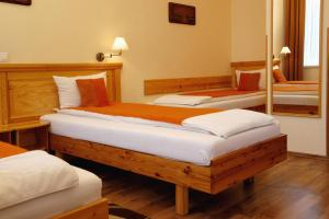 Hotel Manzard Panzio, Bed & Breakfast  Budapest - big - 19