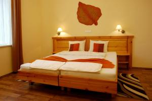 Hotel Manzard Panzio, Bed & Breakfast  Budapest - big - 17