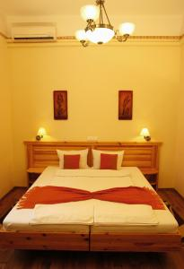 Hotel Manzard Panzio, Bed & Breakfast  Budapest - big - 9