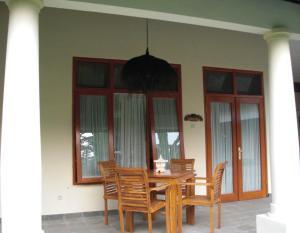 Villa Bugis Kalibaru, Penzióny  Kalibaru - big - 23
