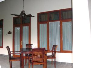 Villa Bugis Kalibaru, Penzióny  Kalibaru - big - 22