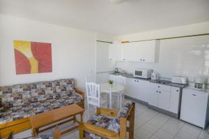 Apartamentos La Peñita, Apartments  Puerto del Carmen - big - 21
