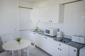 Apartamentos La Peñita, Apartments  Puerto del Carmen - big - 37