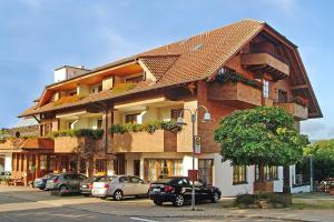 Hotel-Restaurant Vinothek Lamm, Hotels  Bad Herrenalb - big - 36