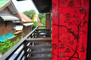 Double Room with Balcony (Flowery)