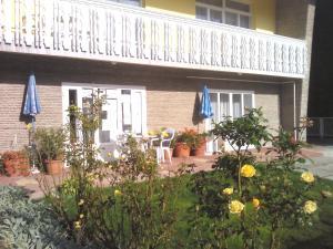 Napfény Apartment, Guest houses  Keszthely - big - 36