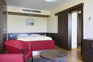 Hotel Olympik, Отели  Прага - big - 61