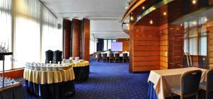 Hotel Olympik, Отели  Прага - big - 60