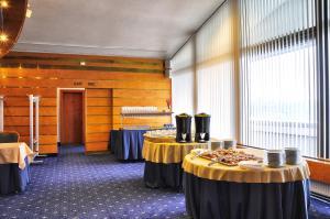 Hotel Olympik, Отели  Прага - big - 57