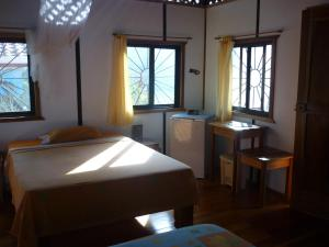 One-Bedroom Bungalow (2-4 Persons)