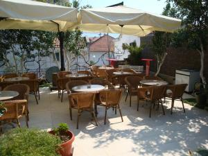 Pima Apartmani, Bed & Breakfast  Budua - big - 16