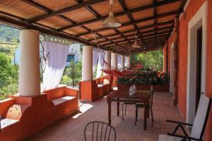 Residence Salina - Acquarela, Apartmanok  Malfa - big - 26