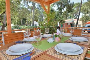 Campsite Sunny Home Soline, Комплексы для отдыха с коттеджами/бунгало  Биоград-на-Мору - big - 26