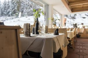 Hotel des Alpes, Hotels  Flims - big - 88