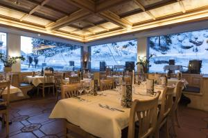 Hotel des Alpes, Hotels  Flims - big - 102