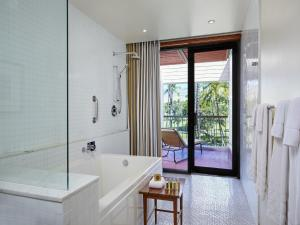 Deluxe Room with Golf Course View