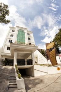 Hotel Sutomo Makassar, Hotely  Makassar - big - 1