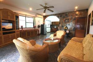 Ya Nui Resort, Resorts  Strand Rawai - big - 57