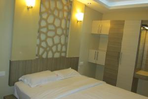 Royal Castle Service Apartment, Appartamenti  Nedumbassery - big - 10