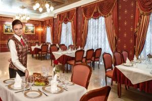 Marlen Hotel, Отели  Ровно - big - 23