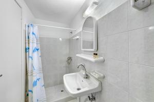 Makis Place, Residence  Tourlos - big - 23