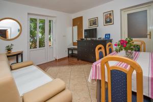 Apartments Jelen, Apartmanok  Dubrovnik - big - 34