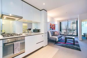 COMPLETE HOST St Kilda Rd Apartments, Apartmány  Melbourne - big - 1