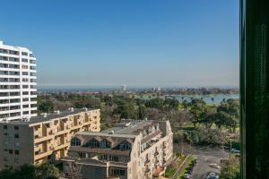 COMPLETE HOST St Kilda Rd Apartments, Апартаменты  Мельбурн - big - 23