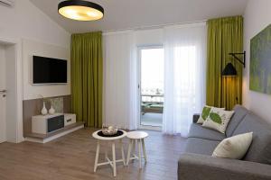 Holiday Homes Oliva, Ferienhäuser  Bol - big - 36
