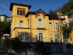 Villa Torretta, Гостевые дома  Варенна - big - 75