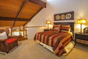 Two-Bedroom Suite with Sofa Bed and Garden View