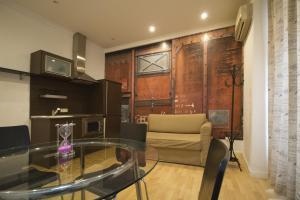 Foster Apartamentos Sol, Apartmanok  Madrid - big - 38