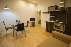 Foster Apartamentos Sol, Apartmanok  Madrid - big - 14