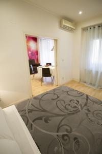 Foster Apartamentos Sol, Apartmanok  Madrid - big - 18