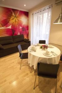 Foster Apartamentos Sol, Apartmanok  Madrid - big - 21