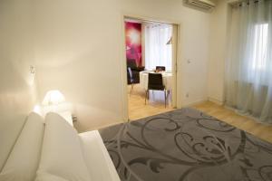 Foster Apartamentos Sol, Apartmanok  Madrid - big - 24